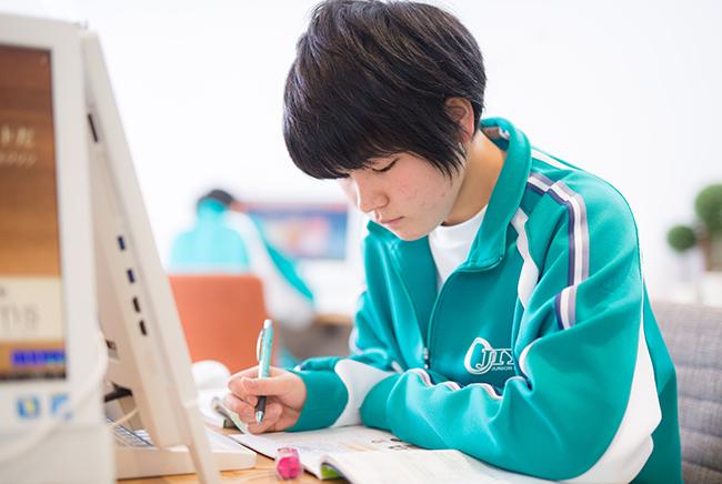 オンライン学習システムと紙教材の融合